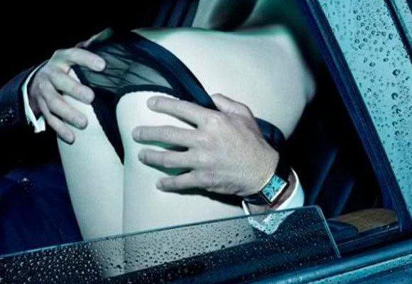 El coche es uno de los lugares más sufridos en los que tener sexo. Hoy te damos algunas pistas para tener sexo en el coche cómodamente.